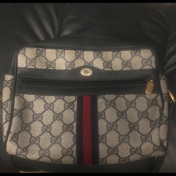 cb951403dd3 Gucci Handbags - Authentic Gucci Accessory Collection purse